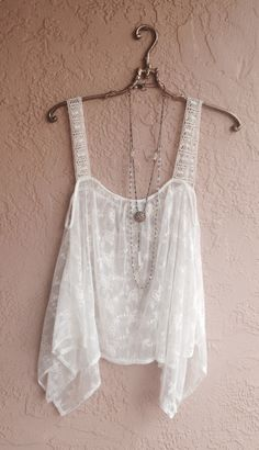 White Sheer embroidered Bohemian festival top Sakura's First Outfit -Chapter Five to Chapter Six Bohemian Mode, Bohemian Style, Boho Chic, Bohemian Gypsy, Festival Tops, Passion For Fashion, Love Fashion, Womens Fashion, Ropa Shabby Chic