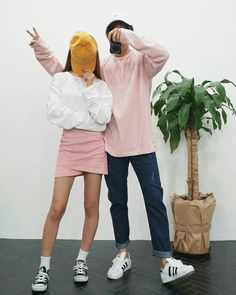 Korean Couple Fashion Outfits ideas for couples ♥ . Korean Couple Fashion, Korean Fashion Trends, Asian Fashion, Matching Couple Outfits, Matching Couples, Cute Couples, Korean Outfits, Mode Outfits, Fashion Outfits