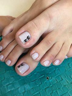 66 Ideas Pedicure Decorado Rojo For 2019 Foot Pedicure, French Pedicure, Pedicure Colors, Pedicure Designs, Pedicure Nail Art, Toe Nail Designs, Toe Nail Art, Pedicure Ideas, Pretty Toe Nails