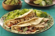 Grilled Chicken & Vegetable Tacos: Delectable grilled chicken, tender vegetables, sour cream and a warm spice mix all wrapped up in one tortilla! Vegetable Taco Recipe, Grilling Recipes, Cooking Recipes, Healthy Recipes, Lunch Recipes, Dinner Recipes, Savoury Recipes, Top Recipes, Meal Recipes