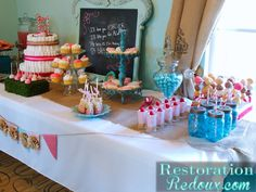 Dessert Table Pic 2 - Daily Dose of Style Baby Shower Gender Reveal, Baby Boy Shower, Baby Showers, Baby Shower Candy Table, Baby Shower Announcement, Diaper Parties, Cute Baby Shower Ideas, Party Time, Party Fun