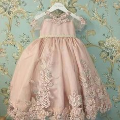 U Flower Girls, Flower Girl Gown, Pink Flower Girl Dresses, Little Girl Dresses, Fashion Kids, Little Girl Fashion, Sweet 16 Dresses, Cute Dresses, Formal Dresses
