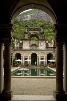 Parque Lage, Rio de Janeiro  (via) chateau-de-luxe.tumblr.com