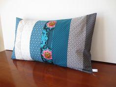 Housse coussin patchwork, déco chic, tissu japonais : Textiles et tapis par michka-feemainpassionnement
