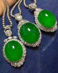 Hi. I am back. #jade #jadeite #gem #jewellry #jewelry