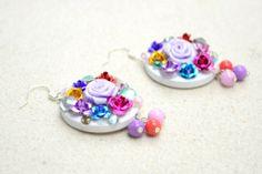 Flower Earrings - fun and funky diy earrings for the flower gal! #DIY #flowerearrings