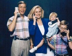 The family that carries oversized mobile phones together...