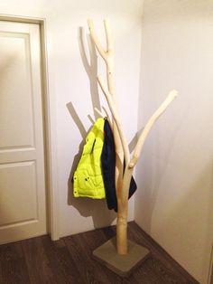 muckelfuchs: Die neue Garderobe - ein Schmuckstück aus Holz