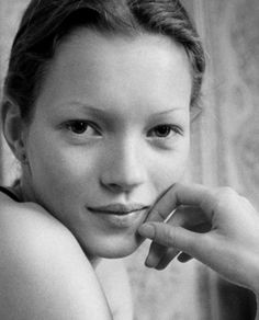 #kate #moss #young #style #icon #iconic #supermodel #photography #icon #freshfaced #popculture #fashion