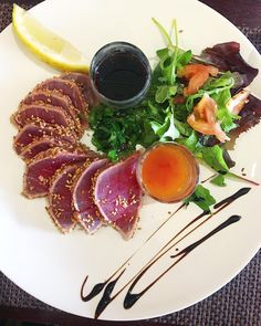 Tataki de thon  ... oui les veggies mangent du poisson  Pour l'instant très facile  .  DÉFI VEGGIE .  5 jours  #Day1  _________________ #veggie #vegetarian #carrefourveggie #vegetarien #healthyfood #food #fooding #foodlover #blogfood #foodporn #foodography #pintademontpellier #montpellier