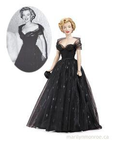Marilyn Monroe Franklin Mint Dolls ~~ For more:  - ✯ http://www.pinterest.com/PinFantasy/gente-~-marilyn-barbie-and-other-dolls/