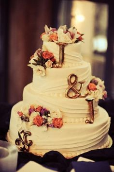 Only because I'm planning someone elses wedding...promise! // Wedding Cake Topper idea: Letters
