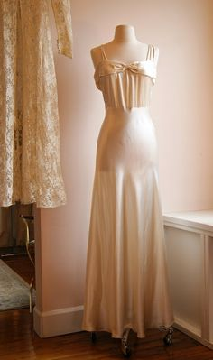 Xtabay Vintage Bridal Salon - Portland, Oregon, call 503 234-7568 to schedule an appointment.