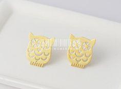 Adorable Owl earrings, owl earrings, animal earrings, animal jewelry