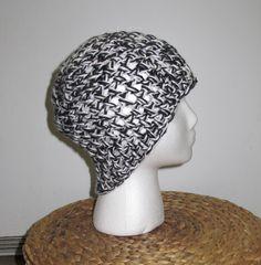 Crochet Beanie: black & white