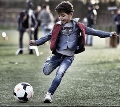 Cristiano Ronaldo shares a photo of his son playing football Cristiano Ronaldo 7, Cr7 Ronaldo, World Best Football Player, Soccer Players, Messi, Cr7 Jr, Rugby, Portugal National Team, Real Madrid Wallpapers