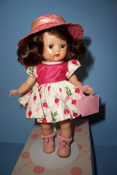 NANCY ANN 2ND YEAR - 1954 - SWEET MUFFIE!  WITH CORRECT SHOES! #Dolls