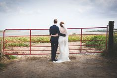 Bride & Groom Irish Coastal Portrait | http://www.rockmywedding.co.uk/naomi-kenneth/ | Image by Leanne Keaney Photography