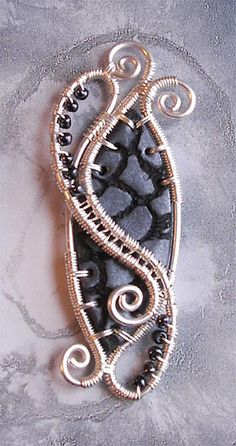 Percorsi by Alkhymeia, via Flickr Wire Jewelry, Beaded Jewelry, Jewelery, Handmade Jewelry, Wire Wrapped Necklace, Wire Wrapped Pendant, Wire Pendant, Polymer Clay Beads, Jewelry Making Tutorials