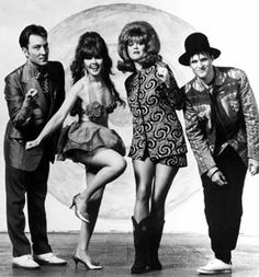 Goin' to the love shack...with the B-52's. music, 80s, strobe light, band, the b52s, parties, lobster, rocks, 30 years