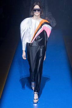 Gucci Spring 2018 Ready-to-Wear Fashion Show - Vitoria Bonissoni