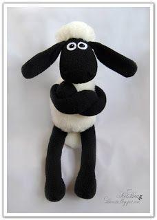 DIY pattern Shaun the sheep Sewing Projects For Kids, Sewing For Kids, Diy For Kids, Sheep Crafts, Felt Crafts, Sewing Toys, Sewing Crafts, Timmy Time, Shaun The Sheep