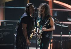 http://www3.pictures.zimbio.com/gi/Robert+Trujillo+25th+Anniversary+Rock+Roll+iQQh4mVCGQNl.jpg