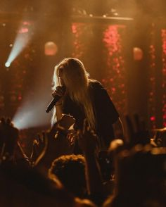 Go to our webpages to learn about the best photography instructional videos, how-to's. Playlists, Lynn Gunn, Selena, Music Aesthetic, Dye My Hair, Concert Photography, Billie Eilish, Dream Life, Rock Music