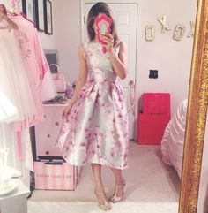 Outfits and Looks, Ideas & Inspiration Girly stylist - Go to Source - Cute Fashion, Girl Fashion, Fashion Outfits, Dress And Heels, I Dress, Girly Outfits, Cute Outfits, Pinup, Spring Dresses
