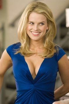 Alice Eve on Star Trek Into Darkness-Carol Marcus and That Controversial Scene