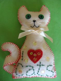 Sorry no pattern on the site for these cute cats but I bet I can figure one out.