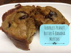 Flourless Peanut Butter And Banana Muffin Recipe You will not believe that these fluffy, delicious muffins don't contain flour! Muffin Recipes, Baking Recipes, Dessert Recipes, Desserts, Muffins Sans Gluten, Flourless Muffins, Greek Yogurt Muffins, Patisserie Sans Gluten, Healthy Sweets