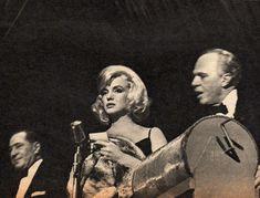Le 13 mars 1961, à New York, Marilyn Monroe participe au gala de charité The Roseland Dance Hall organisé par les Strasberg. Parmi les...
