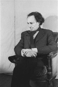 Artaud, 1945.