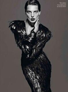 Raven Forest Mavens : 'Le Noir Partie 4' Vogue Paris