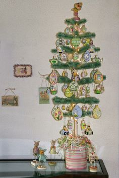 http://justbreen.com/uploads/images/20110518/full_size/26720_Large-Topiary-Tree.jpg