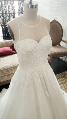 Hey, I found this really awesome Etsy listing at https://www.etsy.com/listing/239419799/unique-swiss-dot-vintage-wedding-dress