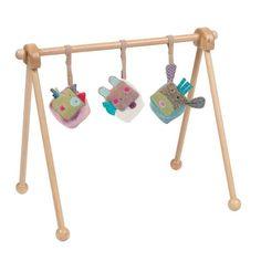 Moulin Roty - Aktivitetsstativ i træ | LirumLarumLeg Babies R, Baby Games, Little Sisters, Baby Room, Kids Toys, Cube, Baby Kids, Nursery, Inspiration
