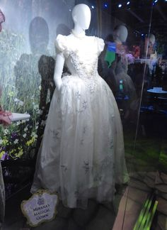 Mirana's (The White Queen) magical gown: Alice Through the Looking Glass