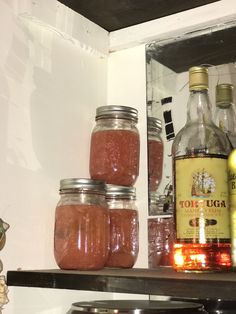 If you have an abundance of grapefruits and like the occasional cocktail, I highly recommend making your own grapefruit vodka. Grapefruit Vodka, Drink Recipes, Homestead, Rum, Mason Jars, Wine, Mason Jar, Rome, Glass Jars