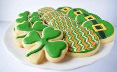 St. Patricks Day Cookies Luck Of The Irish, Cookies, Baking, Instagram Posts, Desserts, Food, Crack Crackers, Tailgate Desserts, Deserts