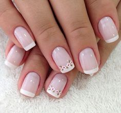 Dainty floral nail design