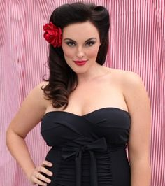 Gorgeous pin up hair! 1950s hairstyles:: Vintage Bridesmaid Hair:: Retro Hairstyles:: Pin up
