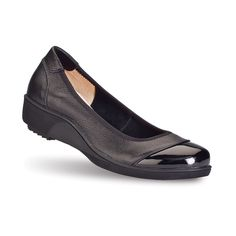 Women's Jenda Shoes from Gravity Defyer. Buttery-soft leather hugs your arch, while the toe cap of glossy patent-leather adds spark to your wardrobe.