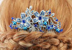 Bridal Hair Comb Blue Wedding Hair Comb by goddessdesignsgems Bridal Comb, Hair Comb Wedding, Wedding Hair Pieces, Bridal Hair, Friend Wedding, Wedding Stuff, Wedding Accessories, Wedding Jewelry, Blue Pearl