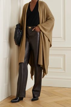 MADELEINE THOMPSON Cashmere wrap Fashion Advice, Fashion News, Cashmere Wrap, Pierre Hardy, Straight Leg Pants, Trendy Outfits, Ideias Fashion, What To Wear, Normcore