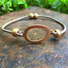 ANE Collection Jewelry - Taupe leather bracelet with brushed metal accents