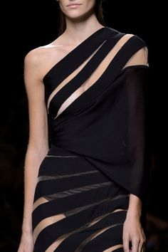 One shoulder dress with floating stripe effect; fashion details // Balmain Spring 2017