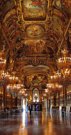 Opera Garnier in Paris! Meus olhos mal puderam acreditar na beleza que ali se encontrava!