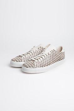 sports shoes e177a 77a9d Pharrell Williams x adidas Originals. Mateo Bécquer · Mateo Bécqueradidas · Pony  hair zig zag Adidas. ARE THESE FOR REAL   OMG. Calzado Mujer,